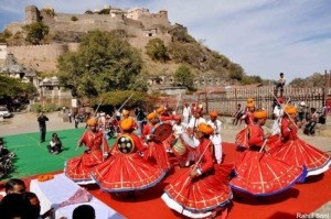 kumbhalgarh-dance-300x199 Fairs & festivals in India