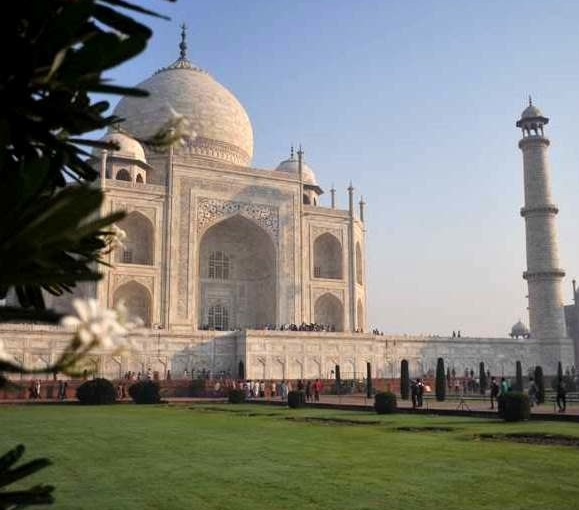 Agra travel information guide