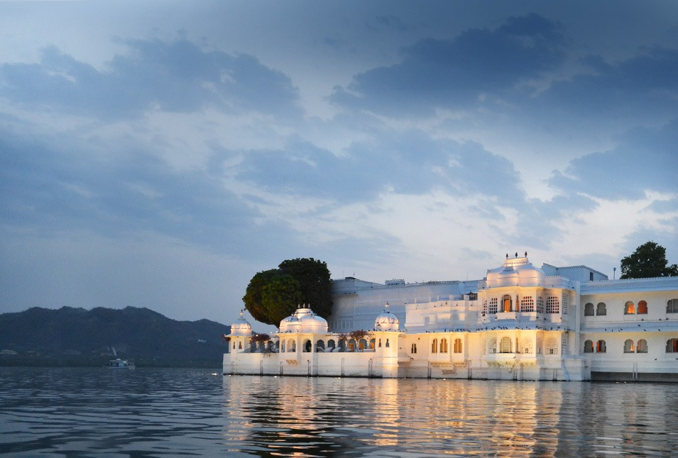 Taj-Lake-Palace-Udaipur Best Forts and places of India