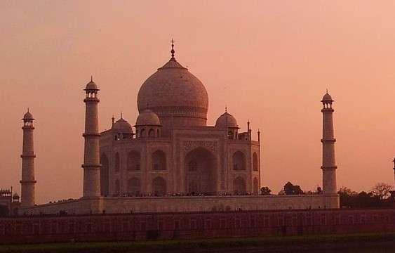 Taj Mahal on sunset during our golden triangle tour of India